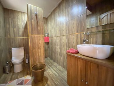 A bathroom in the Teak-bungalows