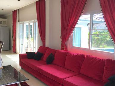 A cozy sofa set