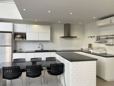 A great, and comprehensively equipped open-plan kitchen