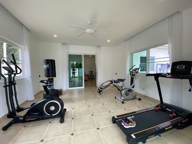 A gym-room that comes on top of the 7 bedrooms