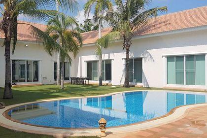 A lavish Miami style villa
