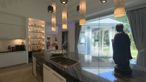 A top chic kitchen with an island