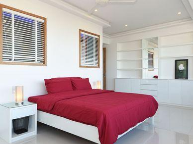 All bedrooms offer their en-suite bathrooms