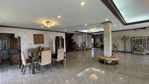 All granite-floors - the living- and dining area