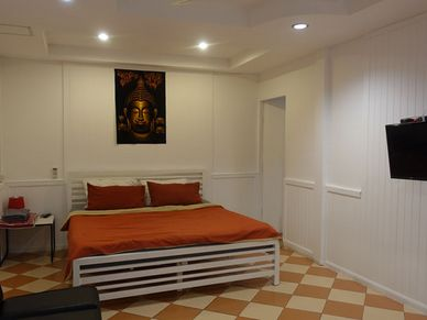 All private rooms offer TV and air conditioning