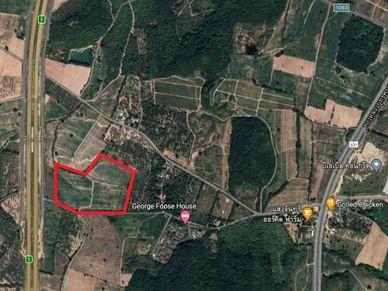 An aerial view of this 43,5 Rai plot