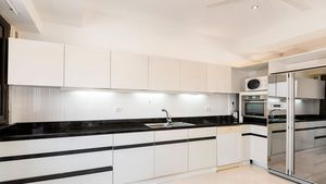 An modern and top equipped kitchen