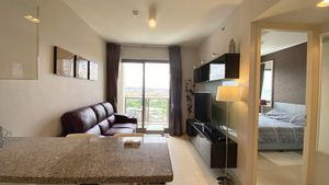 An overview of this neat 1 bedroom condo
