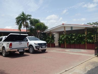 Arriving at the guesthouse - The parking-area