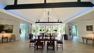 Generous spaces - the dining-area