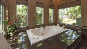 Jacuzzi tub in the master-bathroom