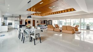 Large, light and airy, the living- and dining-area
