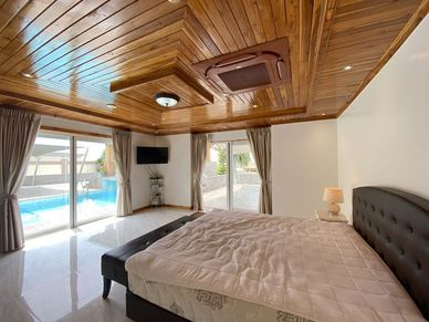 Large bedrooms, all with en-suite bathrooms
