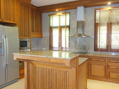 Lavish open-plan kitchen - dishwasher included