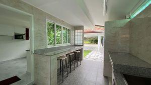 Leisure space next to the Thai kitchen