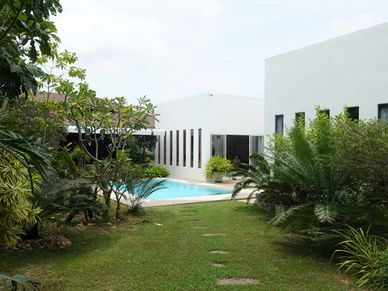 Main house, pool and covered terrace