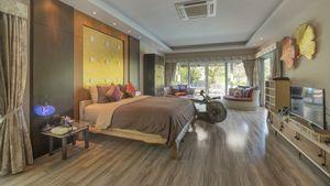 Master bedroom even larger