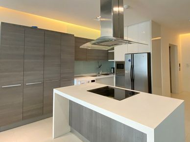 Modern and fully equipped - The kitchen with Island cooking