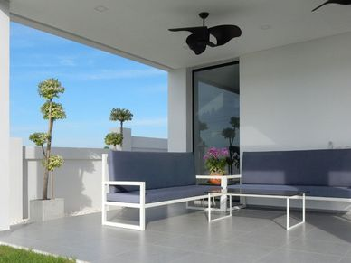 Outdoor lounge-area