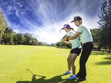 Phoenix Gold golf course is 7 minutes away and many more nearby too
