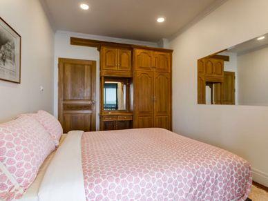 Plenty of built-in wardrobes - the smaller bedroom