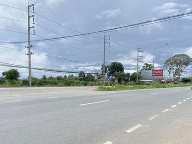 Sukhumvit interstate - just 150 meters away