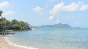 Take a stroll to a romantic beach restaurant