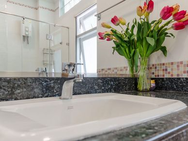 The 2nd bathroom, chic and modern