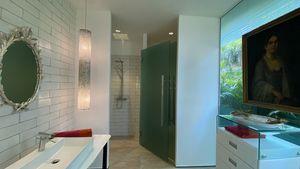The 2nd main bathroom
