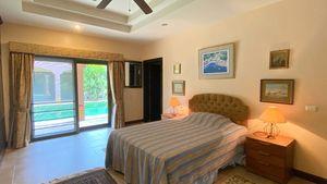 The Italian guest-bedroom