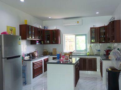 The U-shaped indoor kitchen