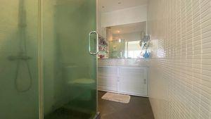The condo offers 2 spacious bathrooms