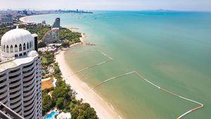 The condo`s views along Wong-Amart and Pattaya bay