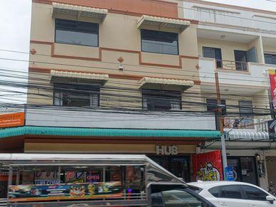 The corner double shophouse unit