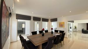 The dining-room towards the living-area