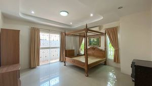 The impressive and large master-bedroom