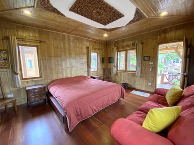 The interior of the other Teak-bungalow