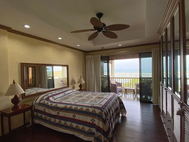 The master-bedroom with access to the terrace