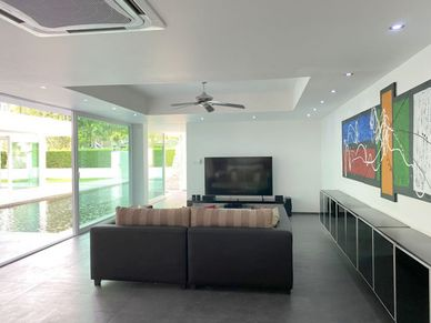 The movie-lounge on the East wings ground-floor