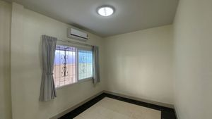 The smallest of 3 bedrooms, air conditioned as well