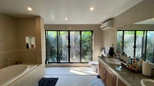 The spacious and friendly master-bathroom