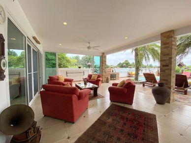 The terraces sofa-area