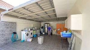 The working-and laundry area