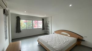 There is a total of 3 nice bedrooms