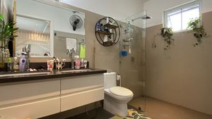 This is the master-bathroom