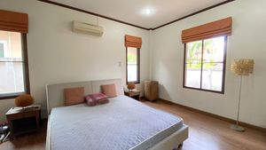 This is the master-bedroom, also with built in wood-wardrobes
