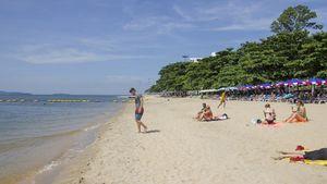 This nice bathing beach is just 700 meters away