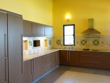 Two large and three smaller kitchens are available