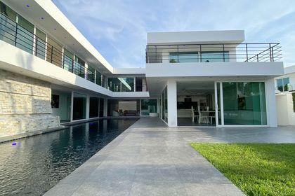 Views towards the luxurious villa