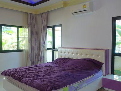 Yet another generous bedroom